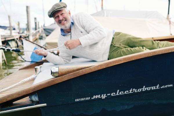 Axel Milberg Elektroboot kaufen